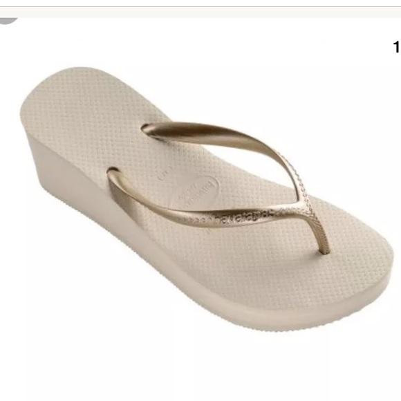ffbcab29249 NEW Havaianans high wedge sandals beige gold 11